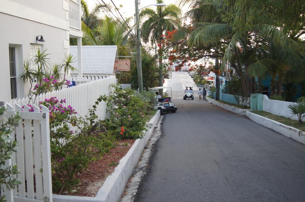 Options on Harbour Island, Bahamas